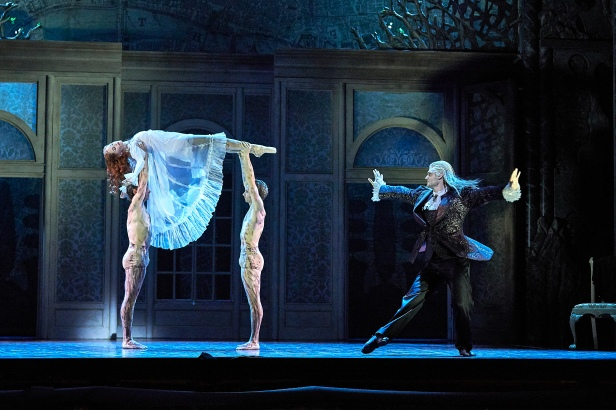 Melissa Boniface, Matthew Edwardson, Oliver Edwardson and Aurelien Scannella in Dracula. Photo by Jon Green.jpg